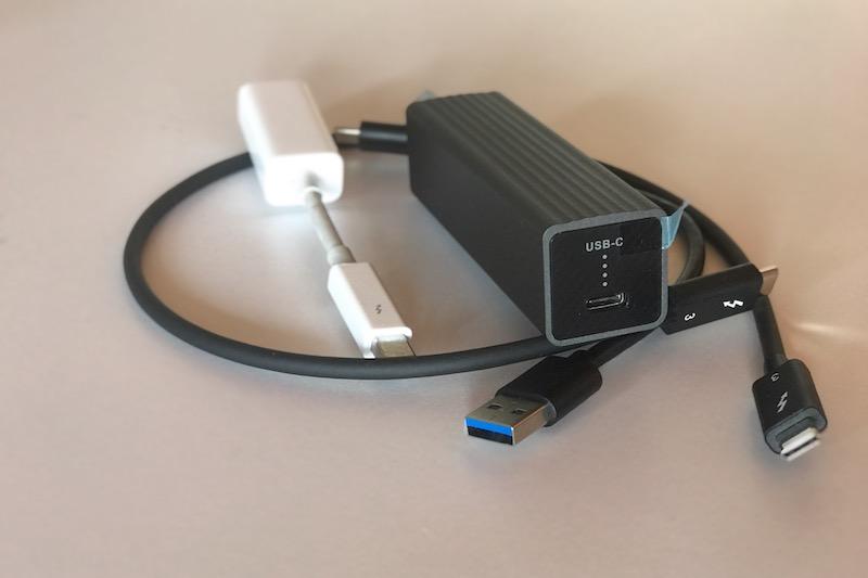 QNA-UC5G1T y adaptador apple.jpg