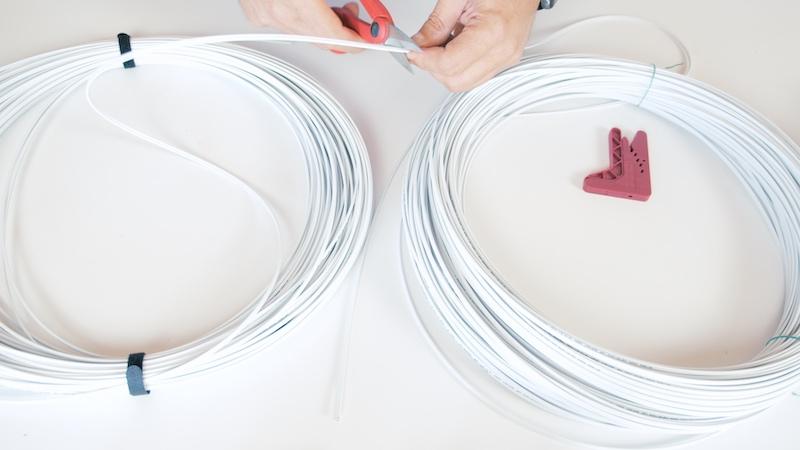 corte cable fibra óptica plástica