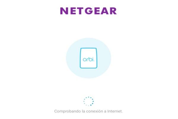 Orbi de Netgear conectado a un router en modo bridge asistente