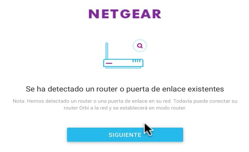 Orbi de Netgear conectado a un router en modo bridge puerta de enlace