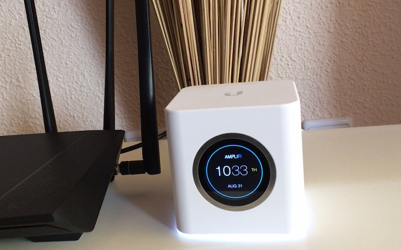 unidad central hora red mesh con AmpliFi
